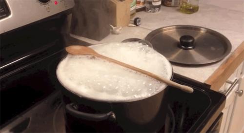 Bí quyết nấu cháo không bị trào
