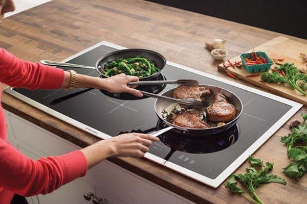 Mách bạn sử dụng bếp điện từ an toàn, bền lâu