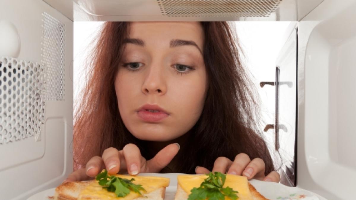 Lò vi sóng. Cách nấu ăn không mất chất dinh dưỡng